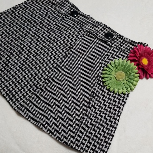 Vanity Dresses & Skirts - Houndstooth Mini Skirt, Size 15